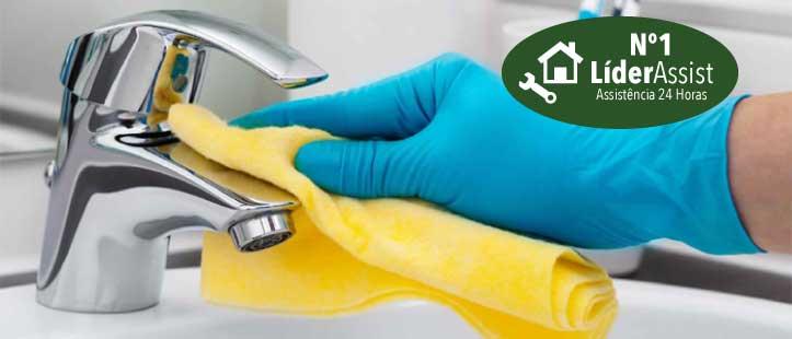 profissionais de limpeza e arrumação